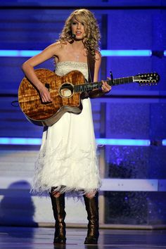 Taylor Swift - 42nd Annual Academy Of Country Music Awards - MGM Grand Garden Arena - Las Vegas, Nevada - May 15, 2007. | Show - Zimbio
