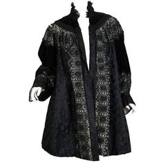 Preowned 1890s Belle Epoch Silk Damask Velvet And Lace Jacket (90 475 UAH) ❤ liked on Polyvore featuring outerwear, jackets, vintage, black, silk embroidered jacket, fleece-lined jackets, lace jacket, lace evening jacket and evening jackets