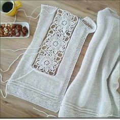 Browse lots of Free Crochet Patterns. We have compiled crochet pattern and knitting patterns. See all of crochet and knitting patterns. Débardeurs Au Crochet, Cardigan Au Crochet, Crochet Capas, Pull Crochet, Crochet Baby Toys, Crochet Jacket, Cotton Crochet, Crochet Cardigan, Crochet Clothes