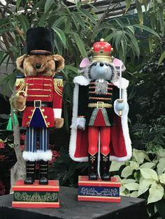Nutcracker Christmas, Christmas Ornaments, Nutcrackers, Holiday Decor, Christmas Jewelry, Christmas Decorations, Christmas Decor