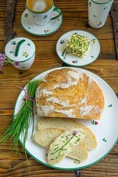 Kroatisches Weißbrot - Kruh - Gaumenpoesie Zutaten 500 g Haushaltsmehl 1/2 Würfel Hefe ca. 350 ml lauwarmes Wasser 15 g Meersalz
