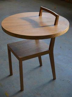 la table et la chaise 2 en 1 mais pas vraiment fonctionnel