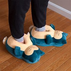 The Pokemon Snoring Snorlax slippers are designed to keep your toes warm and comfortable. Of course, the slippers also perfectly match with the Snorlax bean bag Snorlax Pokemon, Pokemon Merchandise, Moda Pop, Cute Slippers, Ciabatta, Crocs, Fashion Shoes, At Least, Geek Stuff