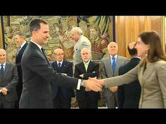 S.M. el Rey recibe en audiencia al Consejo de la Organización de Consumidores y Usuarios (OCU) - YouTube - Palacio de La Zarzuela. Madrid , 31.03.2016