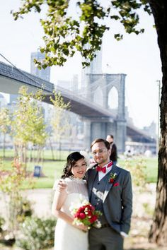 The Brooklyn Bridge served as a backdrop to this trendy wedding; Photo by Katie Osgood