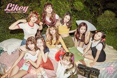 Twice Reveals a New Album—And the Secret to Their Selfie-Ready K-Pop Style Nayeon, Kpop Girl Groups, Korean Girl Groups, Kpop Girls, Twice Photoshoot, Twice Group, Twice Album, Sana Momo, Wattpad