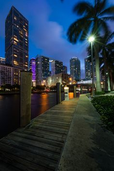 Miami after hours - Edin Chavez Photography Beach Aesthetic, City Aesthetic, Travel Aesthetic, Florida Travel, Miami Florida, Florida Beaches, Florida Keys, Miami City, Downtown Miami
