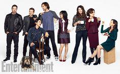 From left: Scott Patterson,Sparky the Dog, Matt Czuchry, Milo Ventimiglia, Jared Padalecki, Keiko Agena, Lauren Graham, Kelly Bishop, and Alexis Bledel