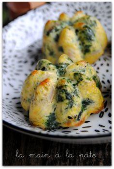 Petites omelettes au four aux épinards frais et champignons