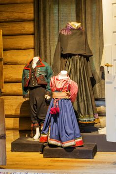 Folk Costume, Costumes, Snow Queen, Antique Photos, Traditional Dresses, Norway, Barn, Folklore, Photographs