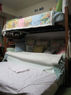 2009 Room-of-the-Year Contest: Russell Community - University Housing UGA - Picasa Web Albums