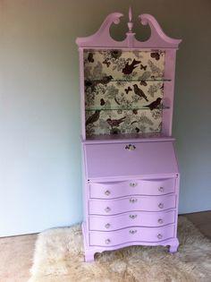 Pink secretary for the girly-girl...www.revelationdecor.com