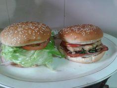 hamburguesa de pollo con champiñones y acelgas, queso panela chorizo miel y canela...