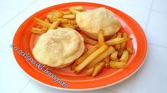 BOMBE SALATE FARCITE                       CLICCA QUI PER LA RICETTA  http://loscrignodelbuongusto.altervista.org/bombe-salate-farcite/                                  #bombe #pizza #salsiccia #Food #fingerfood #fritto #likefood #solocosebuone #bombesalate #foodbloggers