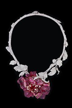 Dior diamond necklace