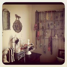 the vintage 'Jewelry Window' ♡