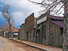 I <3 Montana history and ghost towns.