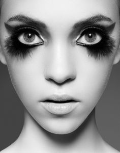 Amazing Bird Makeup Tips and Tutorials - editorial, avant garde, chic, fashion, Make Up Looks, Beauty Make-up, Hair Beauty, Beauty Stuff, Bird Makeup, Owl Makeup, Raccoon Makeup, Face Makeup, Makeup Contouring