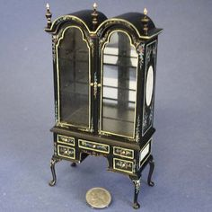 Chinoise Queen Anne Display, Limited Edition, Bespaq