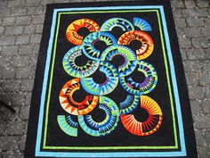 Another AMAZING quilt from:    Grit's Life: New York Beauty and rampaging dogs