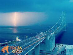 1915 Çanakkale Köprüsü 18 Mart 2017'de ilk kazma vurulacak. 352 kilometre uzunluğunda olması planlanan Kınalı-Tekirdağ-Çanakkale-Gelibolu-Balıkesir-Savaştepe Otoyolu'nun, ilk etapta Malkara-Gelibolu-1915 Çanakkale Köprüsü ve Çanakkale bağlantısını sağlayacak olan yaklaşık 100 kilometrelik kısmı için ihaleye çıkılacak.