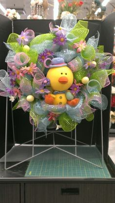 Little chicky new wreath...Robin Evans