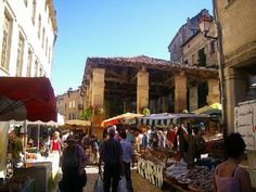 Saint-Antonin-Noble-Val: Halles - France-Voyage.com Village market in movie 'The Hundred Foot Journey'