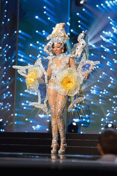 BAHAMAS: Cherell Williamson, 24 Meet the 86 gorgeous contestants competing in Miss Universe Miss Universe Costumes, Miss Universe National Costume, Barbie Miss, Waist Cincher Corset, Waist Training Corset, Beauty Pageant, Steampunk Fashion, Gothic Fashion, Gothic Beauty