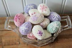 Steen i stugan: mars 2013 Easter Crochet, Chrochet, Easter Baskets, Easter Crafts, Easter Eggs, Crochet Patterns, My Favorite Things, Knitting, Create