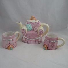 Vintage Wang's International Teapot 2 Cups Cat on Chair Hiding Cats VGUC | eBay