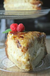 an amazing buttermilk cake (made with a lot of butter and sugar); layered with a super thick, rich vanilla bran custard with a bruleed top Creme Brulee Cake, Creme Brulee Cheesecake, Cheesecake Deserts, Köstliche Desserts, Delicious Desserts, Yummy Food, Health Desserts, Sweet Recipes, Cake Recipes