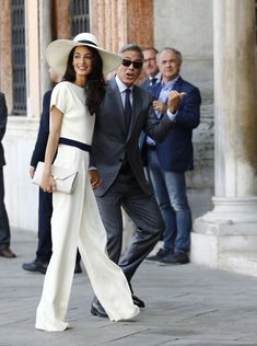 Confirmed: Amal Alamuddin wore Oscar de la Renta to marry George Clooney - Telegraph