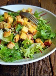 Letný quinoa tart s paradajkami a pórom Tempeh, Tofu, Seitan, Quinoa, Vegetable Salad, Seaweed Salad, Cobb Salad, Potato Salad, Cabbage