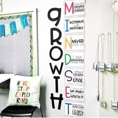 """542 Likes, 5 Comments - Kristin (@schoolandthecity) on Instagram: """"I love this corner of @teachcreatemotivate's classroom, along with basically everything else she…"""""""