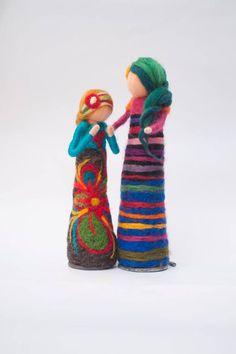 Muñecas de fieltro / Artista: Cristina Bernadá (Uruguay) / Nota: Seres de lana (por más info: www.lacitadina.com.uy)