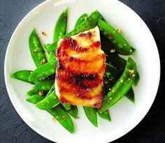 The best way to cook green vegetables Pea Recipes, Fish Recipes, Cooking Recipes, Cooking Tips, Superfood Recipes, Healthy Recipes, Healthy Meals, Healthy Food, Turkey Scallopini