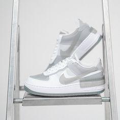Nike Air Force 1 Shadow SE Frauenschuh grau / weiß