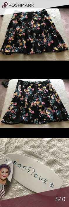 Women's Boutique Skirt w/pockets, Size 1X This skirt is brand new with tags. It is a polyester/spandex blend Boutique Skirts