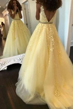 Buy Fashion Ball Gown V Neck Prom Dresses with Appliques and Beads, Quinceanera Dresses online.Shop short long ombre prom, homecoming, bridesmaid evening dresses at Couture Candy Cocktail party dresses, formal ball gowns in ombre colors. Dresses Elegant, Pretty Prom Dresses, V Neck Prom Dresses, Formal Evening Dresses, Homecoming Dresses, Sexy Dresses, Dress Formal, Yellow Prom Dresses, Dress Prom
