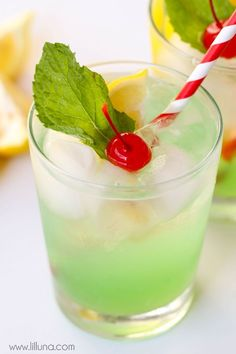 Disneyland's Copycat Mint Julep recipe - a non-alcoholic drink that is refreshing and DELICIOUS!! Recipe on { http://lilluna.com }