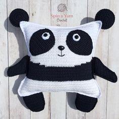Daha önce farklı bir tarifler amigurumi panda yapımı vermiştik. Ribbon iple örmüştük sevimli pandayı. Bugün yine panda örüyoruz. Zincir üzerine sık iğne il