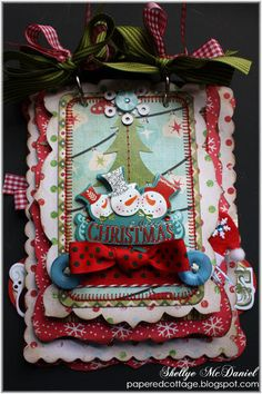 Snowman Fun --MERRY CHRISTMAS-- Mini Scalloped Scrapbook Album/Journal