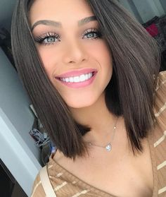 Scarves and Shawls and Teen Fashion For Everyone! How To Cut Your Own Hair, Your Hair, Beautiful Gorgeous, Gorgeous Women, Brunette Beauty, Hair Beauty, Ombré Hair, Pure Beauty, Pretty Face
