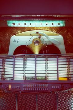 must have jukebox someday for partay room