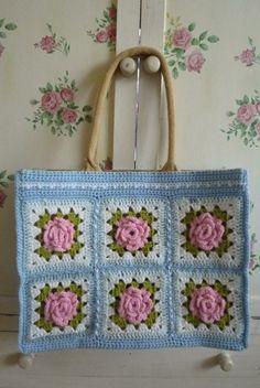 So cute, love the colors Crochet Cross, Love Crochet, Knit Crochet, Crochet Handbags, Crochet Purses, Crochet Classes, Crochet Projects, Diy Bags Purses, Jute Bags