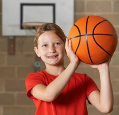 Top 10 basketball lessons from PE Central! Teach dribbling with finger pads, proper techniques for chest or bounce passes, and how to shoot a basketball Wsu Basketball, Basketball Games For Kids, Basketball Practice, Basketball Workouts, Basketball Skills, Best Basketball Shoes, Basketball Players, Kentucky Basketball, Kentucky Wildcats