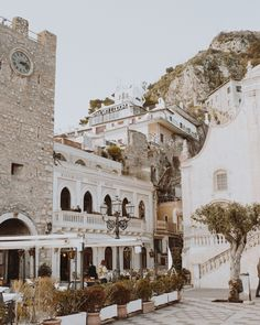 (@courtneysteeves) Taormina, Italy Travel Guide #italy #travel #taormina #travelguide