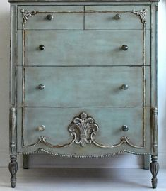 I love the finish on this dresser...