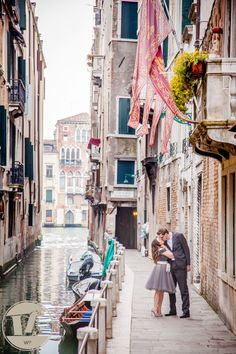 ENGAGEMENT IN VENICE #Venice #engagement #photoshoot #Spring