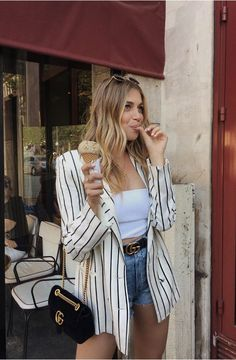 Look blazer 661255157766341421 Blazer Outfits, Casual Outfits, Cute Outfits, Striped Blazer Outfit, Short Outfits, Spring Outfits, 0 Bag, Look Fashion, Fashion Outfits